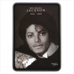 /39-72-thickbox/micheal-jackson-portrait-clock.jpg